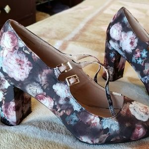 REPORT FLORAL Women's CLOSED TOE, Block Heels Size